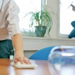 Empleadas domésticas: recibirían un bono de $3.000